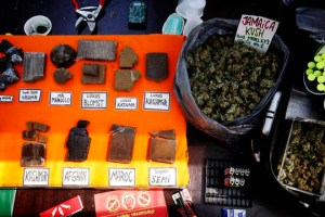 pusher-street-weed-stands-christiania-02